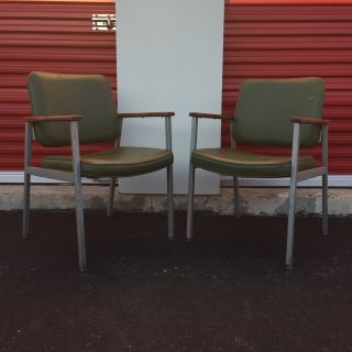 Pair of Mid Century Chairs by Steelcase