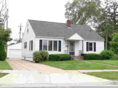 2324 Adams ST La Crosse, great south location for this 4
