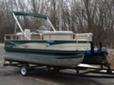 2003 Crestliner 16ft PONTOON Family Cruise