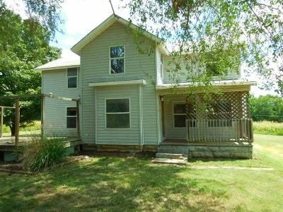 3 Bed 2 Bath Foreclosure Property in Arkansas City, KS 67005 - N 11th St