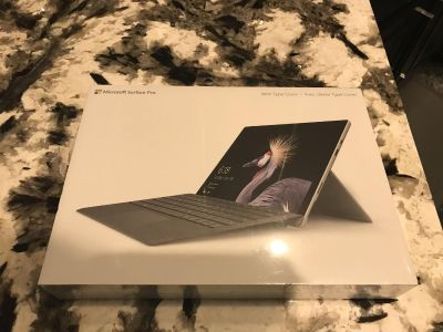Microsoft Surface pro 4 - 128 GB brand new with type cover