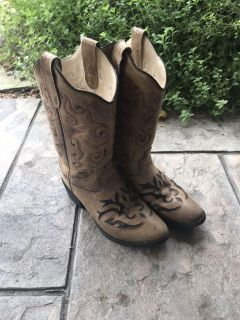 Girls Boots - size 1
