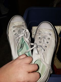 Converse size 5... throw in washing machine and will be brand new..