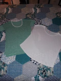 Women's Medium Victoria's secret cotton tees green and white like new excellent condition