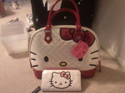 NWT HELLO KITTY LARGE  PURSE WITH MATCHING WALLET