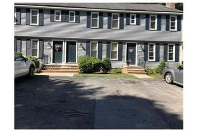 Beautiful townhouse in South Lowell for rent.