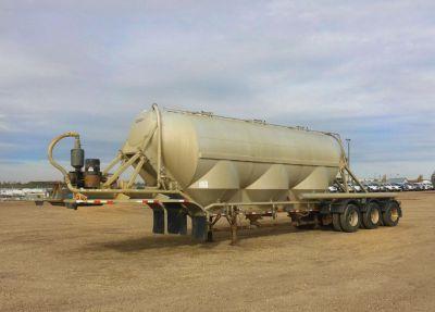 2012 POLAR 38 M3 Pneumatic Tanker bulk Trailer