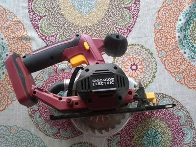 Chicago Electric 18V Circular Saw