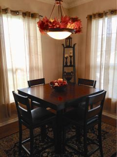 Table and 4 chairs set- bar height