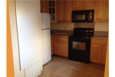 Spacious 3BR 3BA Townhome in the Heart of