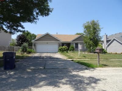 3 Bed 2 Bath Preforeclosure Property in Algonquin, IL 60102 - Westbury Dr
