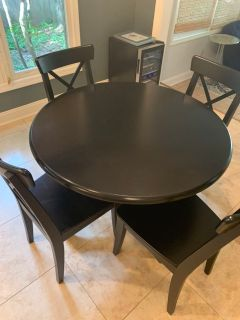 GUC kitchen table with 4 chairs