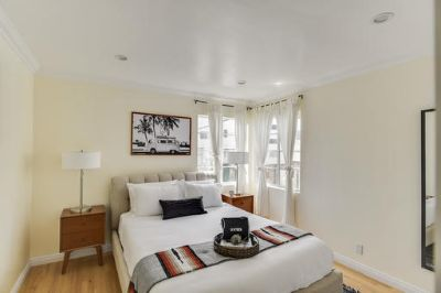 $4890 1 apartment in West Los Angeles