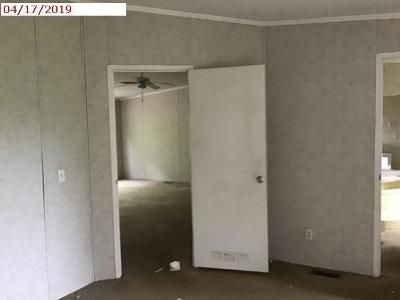3 Bed 2 Bath Foreclosure Property in Marshall, TX 75672 - Hideaway Ln