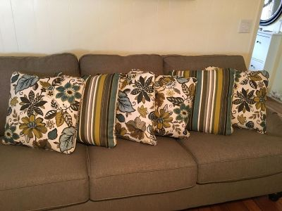 Brand new throw pillows from Ashely furniture store 6 total size 20x20