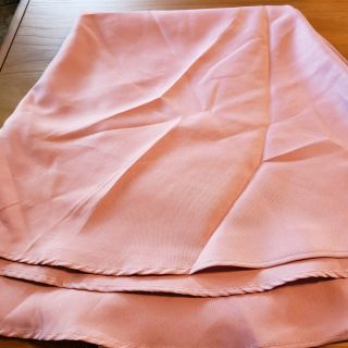 70 inch round rose colored table cloth