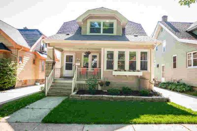 2258 N 70th St Wauwatosa Four BR, Get ready to write!