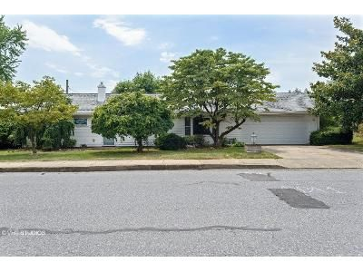 3 Bed 1.5 Bath Foreclosure Property in Coplay, PA 18037 - N 9th St