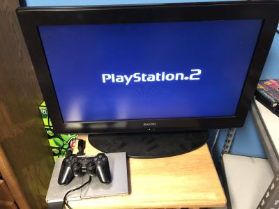 PS2 Silver & 1 Game 1 Controller & Wires