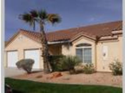 Mesquite Townhome w/ 1-Car Attached Garage, Mesquite, NV