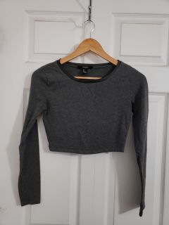 Cute Charcoal Grey Forever 21 Long Sleeve Crop Top Size Small. Excellent Condition