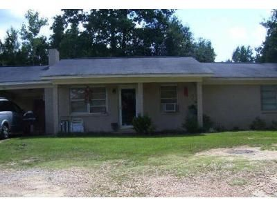 3 Bed 1 Bath Foreclosure Property in Fulton, MS 38843 - Young Rd SW