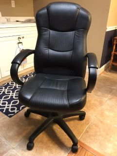 Executive High-Back Desk Chair