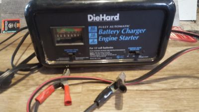 Car charger with instant start feature