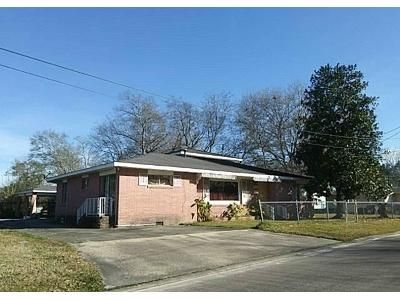 4 Bed 2.5 Bath Foreclosure Property in Lake Charles, LA 70601 - 9th St