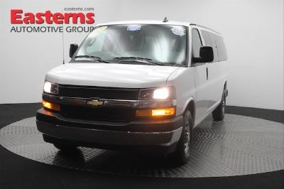2017 Chevrolet Express 3500 LT (Summit White)