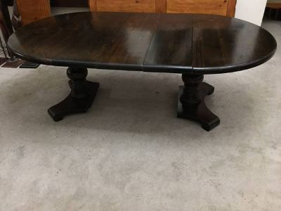 Dark Brown Solidwood Oval Dining Table with 3 leaves