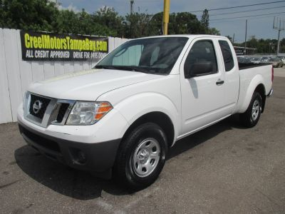 2010 Nissan Frontier XE (White)