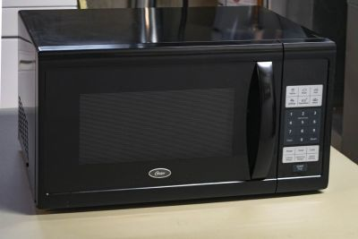 Oster 1.1 Cubic Ft. Microwave oven