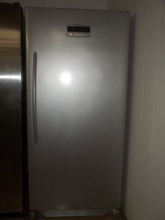FRIGIDAIRE UP RIGHT FREEZER