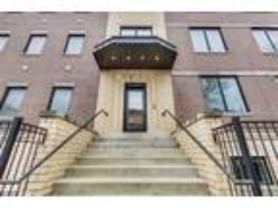 Chicago Three BR 2.5 BA, 2317 West Armitage Avenue 1W
