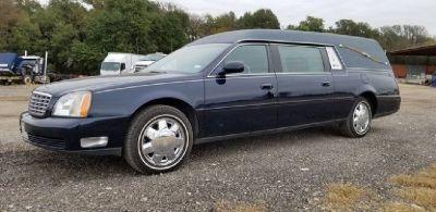 2004 Cadillac Superior Coach Hearse RTR# 8111281-03