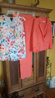 Gorgeous tall outfit only wore twice, lost weight. My loss your gain. Pants 14 tall, blazer XL, blouse L