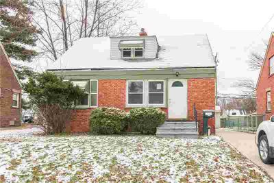 5647 South Blvd Maple Heights, Brick bungalow with 3