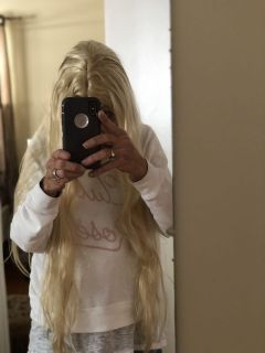 Long blonde synthetic wig