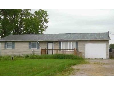 3 Bed 1 Bath Preforeclosure Property in Bowling Green, OH 43402 - Nelson Rd