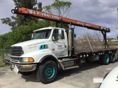 2006 (unverified) Sterling L9500 Flatbed Truck w/Conveyor