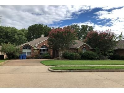 4 Bed 9.0 Bath Preforeclosure Property in Rowlett, TX 75088 - Lakepointe Ave