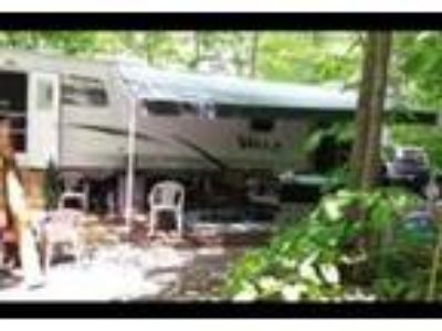 2012 Forest River Salem-Villa-Estate Travel Trailer in Vanderbilt, PA
