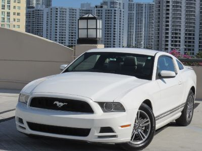 ** 2013 FORD MUSTANG PREMIUM/PONY PACKAGE*CLEAN TITLE*CARFAX*LIKE NEW **