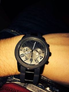 Mens micheal kors watch. Black