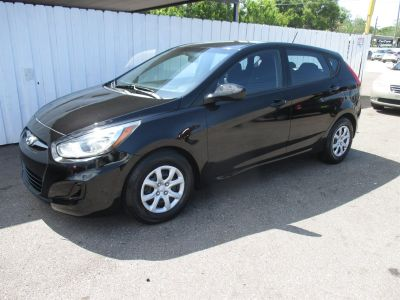 2013 Hyundai Accent GS (Black)