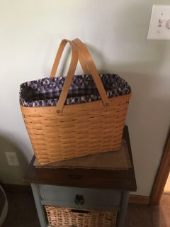 Longaberger with liner and protector magazine basket