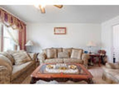 One of a kind 2 family home situated on top of the hill betweem Downtown JC ...