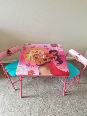 EUC Elena of Avalor Table with Chairs