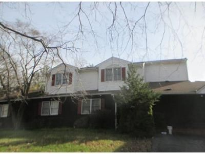 4 Bed 3 Bath Foreclosure Property in Montrose, NY 10548 - Meadow Rd
